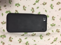 Unlocked iPhone 7 32gb with charging case  Toronto, M9N 2A7