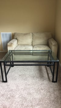 love seat and table Alexandria, 22304
