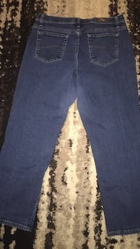 womens  Lee relaxed straight leg at the waist jeans size 16 short Waterloo, 50703