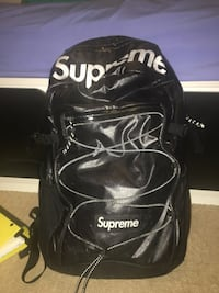 black and white Supreme backpack 3750 km