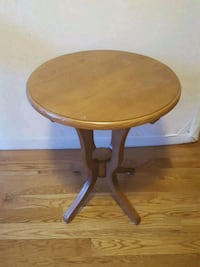 Wooden table [pier 1 imports] New York, 10128