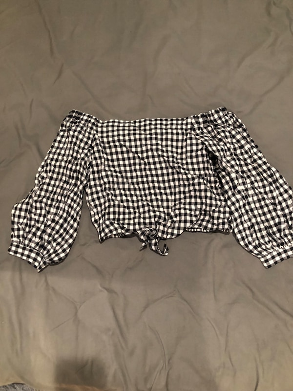 5bb852673d52e1 Used BRAND NEW forever 21 off shoulder top for sale in Boston - letgo