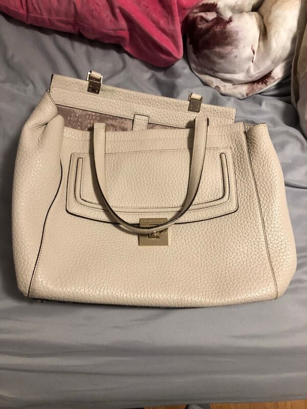 Kate spade purse  e715cd47-24cf-4794-b5a9-5260a1b3e10b