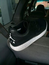 pair of black-and-white Nike running shoes Vista, 92083
