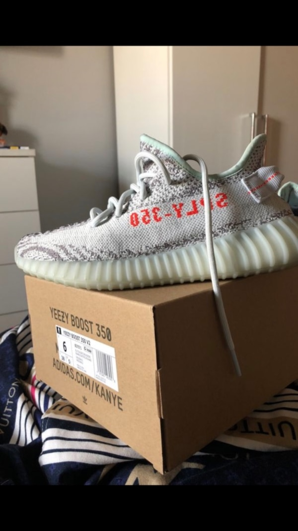 8a0962f52e7906 Used Yeezy 350 blue tint for sale in New York - letgo