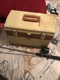 Fishing gear with box, 2 rods and 2 reels  Albuquerque, 87105