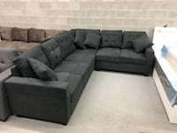 Brand new charcoal fabric sectional sofa with reversible facing  多伦多, M1P