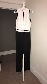 women's white and black sleeveless jumpsuit Greensburg, 15601