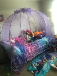 Twin/Toddler bed frame purple, carriage 45 mi