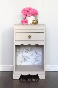 Vintage bedside table nightstand  Georgina, L0E 1R0