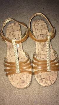 Brown leather t-strap heels size 3.5