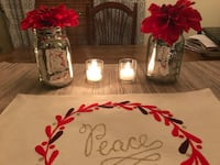 red and white floral table decor