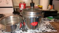 2 Pressure cookers (cooking pots) for sale Eatontown, 07724
