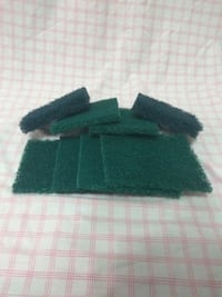 Heavy duty 8 scrub pads for cleaning