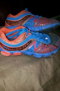 Boys New Balance shoes size 13.5 Evansville