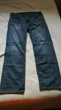 Levis loose straight fit blue jean  Queens, 11364