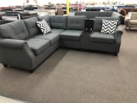 New Couch Sectional with Console USB Port. Grey. Free Delivery ! Los Angeles
