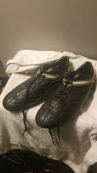 pair of black wilson cleats size 10 Kitchener, N2E 1B2