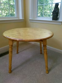 small round table for kids Clarksville, 21029