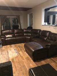 Brown sectional sofa  Pickering, L1V 5V6