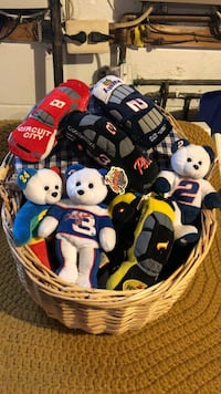 Bear and car plush toy lot , A whole basket full