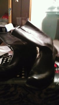 black leather side-zip chunky heeled booties Laval, H7M 5T8