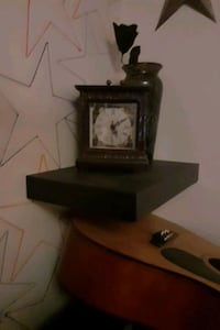 Mantel clock London, N6H 1C3