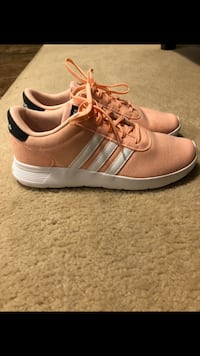Women's adidas size 7 Langley, V2Y 3E6