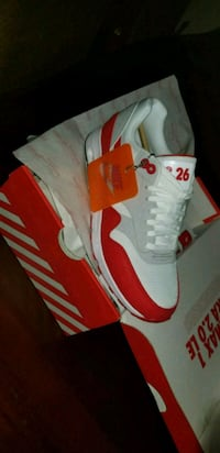 white and red Nike Air Max 1 Ultra 326   23 km