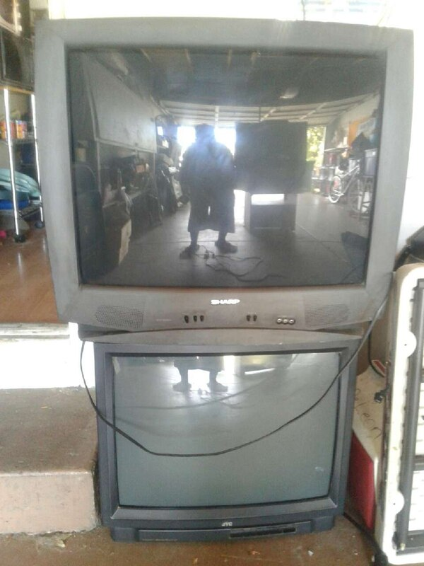 black Sharp CRT TV/jvc big sound