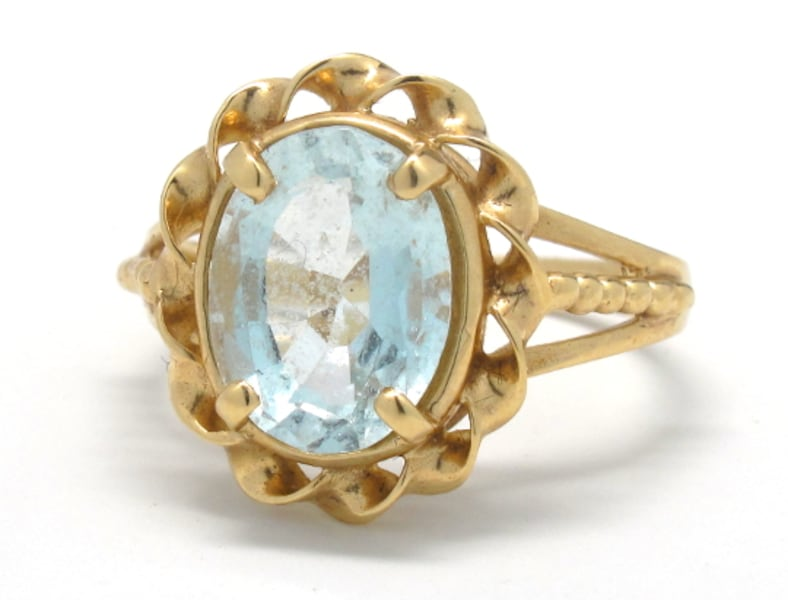 Ladies Gold/Aquamarine Ring e1ac95e4-394a-403f-9102-827bbcca0c31