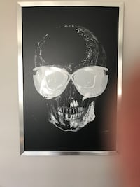 Skull painting Tom ford sunglasses