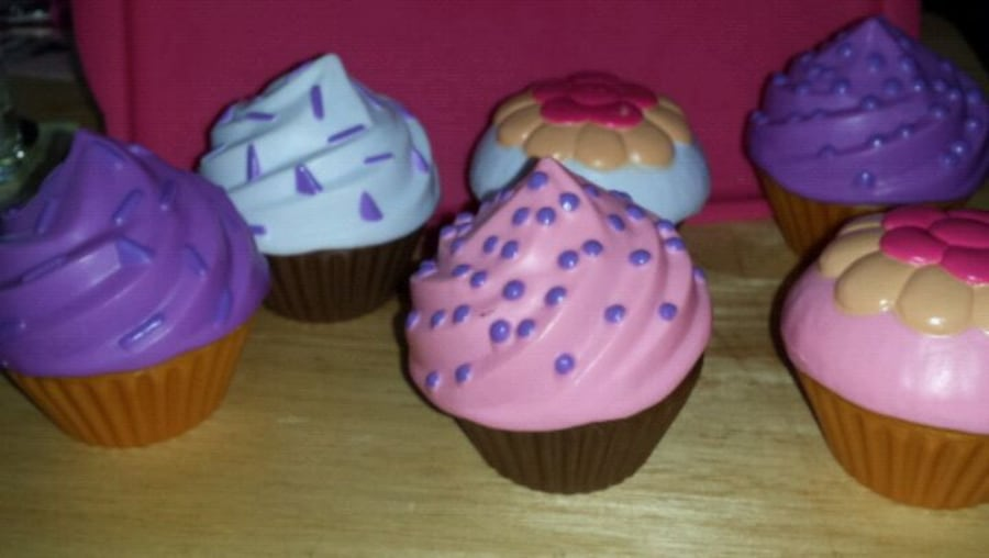 Toy cupcakes 1