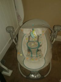 baby's white and gray bouncer North Las Vegas, 89030
