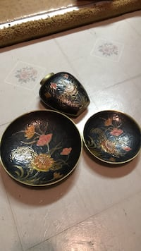 Brass vase and plates. Otherwise $10 each item Vancouver, V5K 1Y4