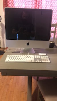 Silver imac with apple magic keyboard and magic mouse Sterling, 20165