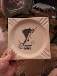 square white and blue Marlin print ceramic plate Sebring, 33870