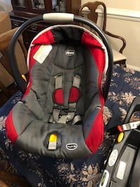 Chicco Keyfit30 car seat and 2 bases