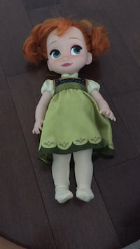 White and green dressed doll excellent condition Côte-Saint-Luc, H4W 2W5