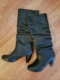 Size 6 boots  Châteauguay