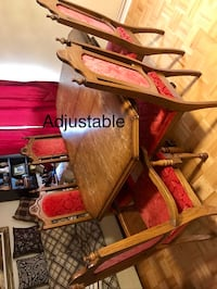 Dining table and chairs * 5 Markham, L3S 3X4