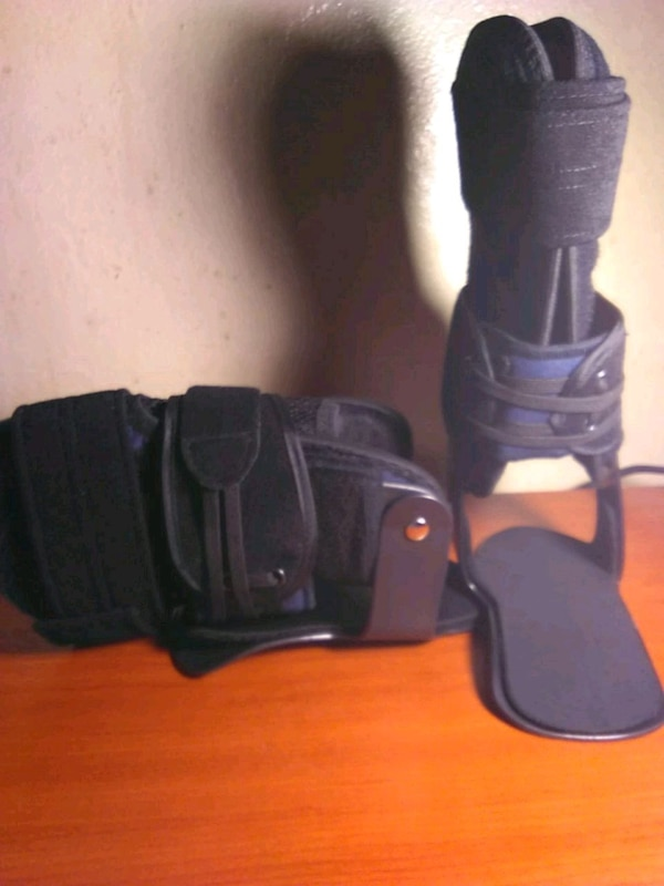 $10 NEW Ankle Braces Medium Size