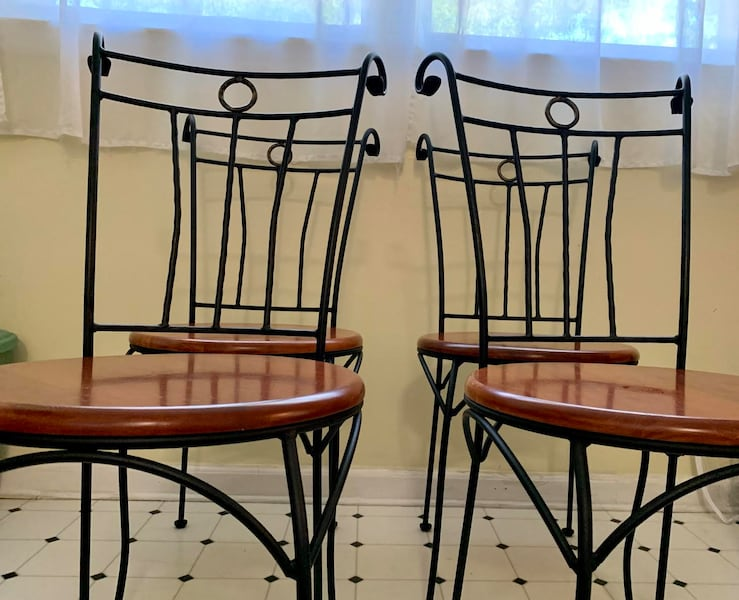 (SET/OBO) Beautiful Wood & Iron Cabinet Kitchen Hutch / Dining Table with 4 Chairs (Accepting Offers, Adjustable Bottom Shelves) 743574b6-1877-4c37-b23f-2bfcfca9a228