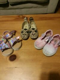 3pairs of shoes Clinton, 01510