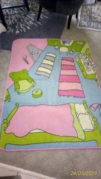 Ikea area rug for kids  Burnaby, V5J 3T5