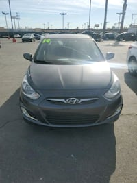 2014 Hyundai Accent SE 5-Door 6-Speed Automatic