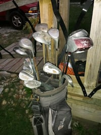 golf clubs w golf bags used
