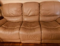 Really good leather sofa Pointe-Claire, H9R 3J7