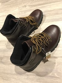 Mens lined waterproof dress boots size 12 Oshawa, L1J 5S1