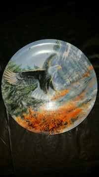 Decorative eagle ceramic plate